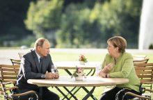 A. Merkel ir V. Putinas kalbėjo 3 valandas: pokalbio detalės – paslaptis