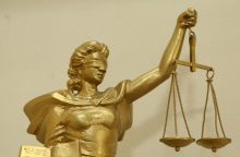 Naujausios apklausos: rekordiškai pasitikima teismais