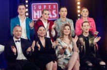 """Realybės šou """"Aš – superhitas"""" dalyviai pasidavė intymioms glamonėms"""
