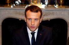 E. Macronas išreiškė susirūpinimą dėl Turkijos puolimo Sirijoje