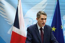 Rusijos gynybos ministerija JK gynybos sekretoriaus pastabas vadina akiplėšiškomis