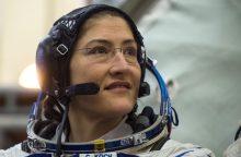NASA atsisakė planų rengti pirmąjį dviejų moterų išėjimą į atvirą kosmosą