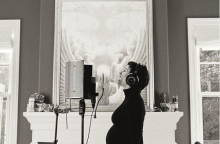 """Dainininkė A. Morissette apie nėštumą pranešė """"Instagram"""""""
