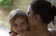 Į avariją patekusi mama su dukra dėkoja ne tik Dievui