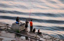 Valdžiai ketinant griežtinti verslinę žvejybą, žvejai baiminasi likti be darbo
