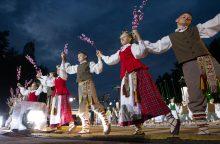 Per 36 tūkst. dalyvių subursiančioje Dainų šventėje dėmesys – užsienio lietuviams