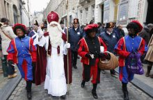 Olandai ruošiasi demonstruoti už ir prieš Kalėdų personažą Juodąjį Petrą