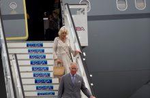 Į Kubą atvyko britų princas Čarlzas su žmona