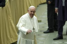 """Popiežius: migracijos baimė """"varo mus iš proto"""""""