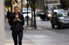 Mitai ir realybė: kuri karta labiau priklausoma nuo technologijų?