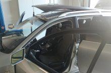 Slėpti kontrabandą mašinos stoge – prasta mintis