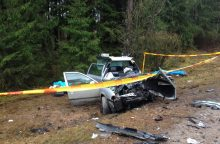 Tragiška avarija Kauno rajone: vietoje žuvo dvi jaunos moterys <span style=color:red;>(atnaujinta)</span>