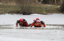 Joniškio rajone išgelbėtas įlūžęs žvejas