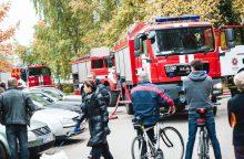 Jaunos poros konfliktą gesino beveik visos Kauno specialiosios tarnybos