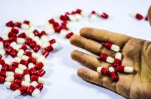 Sukčiai nusitaikė į sergančiuosius: siūloma greitai išsigydyti sudėtingą ligą