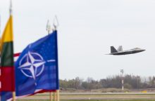 NATO naikintuvai vėl lydėjo virš Baltijos jūros skridusius rusų orlaivius