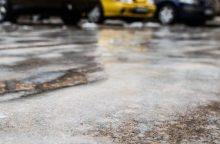 Kad šaltukas keliuose neužkluptų netikėtai <span style=color:red;>(eksperto patarimai)</span>