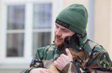 Nyderlanduose gyvenanti lietuvė pasieniečiams dovanoja šunį