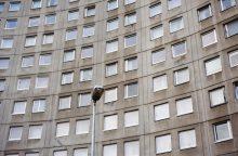 Sukčiai įsigudrino: į namus braunasi tikrinti langų būklės