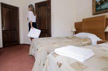 Po dviejų vyrų viešnagės – suniokotas viešbučio kambarys