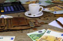 Vyriausybė surenka per mažai mokesčių – ekonomistai žeria perspėjimus