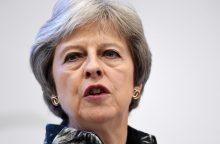 """T. May parlamente laimėjo dar vieną svarbų balsavimą dėl """"Brexit"""""""