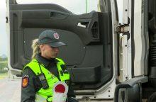 Į areštinę uždarytas girtas vilkiką vairavęs latvis