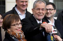Prezidento rinkimai Austrijoje gali atvesti į valdžią kraštutinės dešinės atstovą