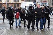Minske per opozicijos mitingą sulaikyta mažiausiai 100 dalyvių