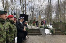 Klaipėdos sukilimo dalyviams – gėlės ir padėkos