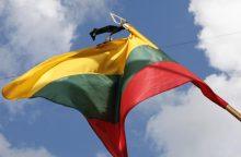 Sausio 13-tą prie Lietuvos vėliavos juodo kaspino kabinti nereikia
