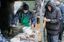 Prie Klaipėdos eglutės kvepėjo žuviene ir koše