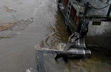 Undinėlės skulptūrą skalavo pakilęs Danės vanduo