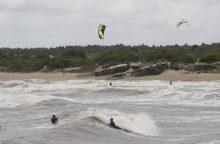 Ekstremalai gaudė vėją ir skrodė bangas