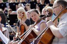 Klaipėdos muzikinio teatro artistai repetavo po atviru dangumi