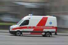 Nelaimė Marijampolėje: apvirtus autobusui sužaloti žmonės