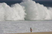 Tyrimas: dėl anglies dvideginio išmetimų rūgštėja vandenynai