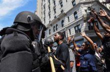 Bostone tūkstančiai žmonių dalyvavo antirasistinėse eitynėse