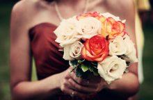 Lietuvės nemėgsta gėlėtų suknelių?