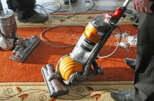 Su darbo kvitais bus galima valyti namus, prižiūrėti vaikus?