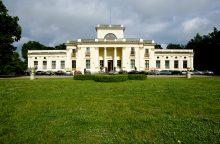 Planuojama Trakų Vokės dvaro renovacija, pradedamas tvarkyti parkas