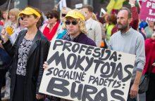 Ministrė: etatinių mokytojų atlyginimų įvedimas kainuos brangiai