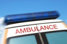 Autostradoje susidūrė autobusas ir automobilis, žuvo keleivė
