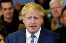 """B. Johnsonas neigia pasisakantis už laisvą judėjimą po """"Brexit"""""""
