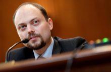 Kremliaus kritikas ragina JAV palaikyti ryšius su Rusijos demokratiniu judėjimu