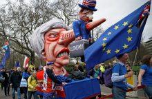Stiprėja spėlionės dėl Didžiosios Britanijos premjerės nuvertimo