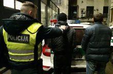 Policijos smūgis narkotikų platintojams Kaune: sulaikyti keturi vyrai