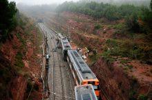 Ispanijoje nuo bėgių nulėkus traukiniui žuvo žmogus, dar 44 sužeisti