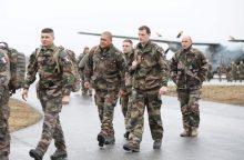 Estijos šauktiniai kareivines užleidžia NATO sąjungininkams