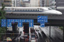 Japonijos bendrovė atsiprašė dėl 20 sekundžių anksčiau išvažiavusio traukinio